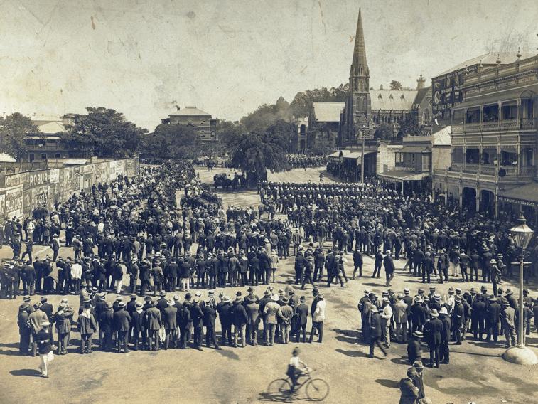 Crowd of strikers in Market Square, Brisbane